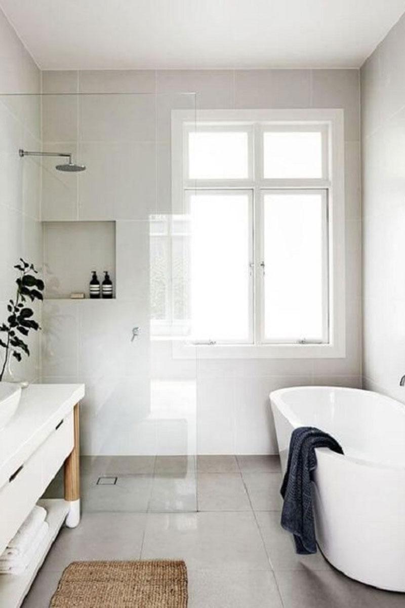 Phòng Tắm Sang Trọng với Vách Kính Trong